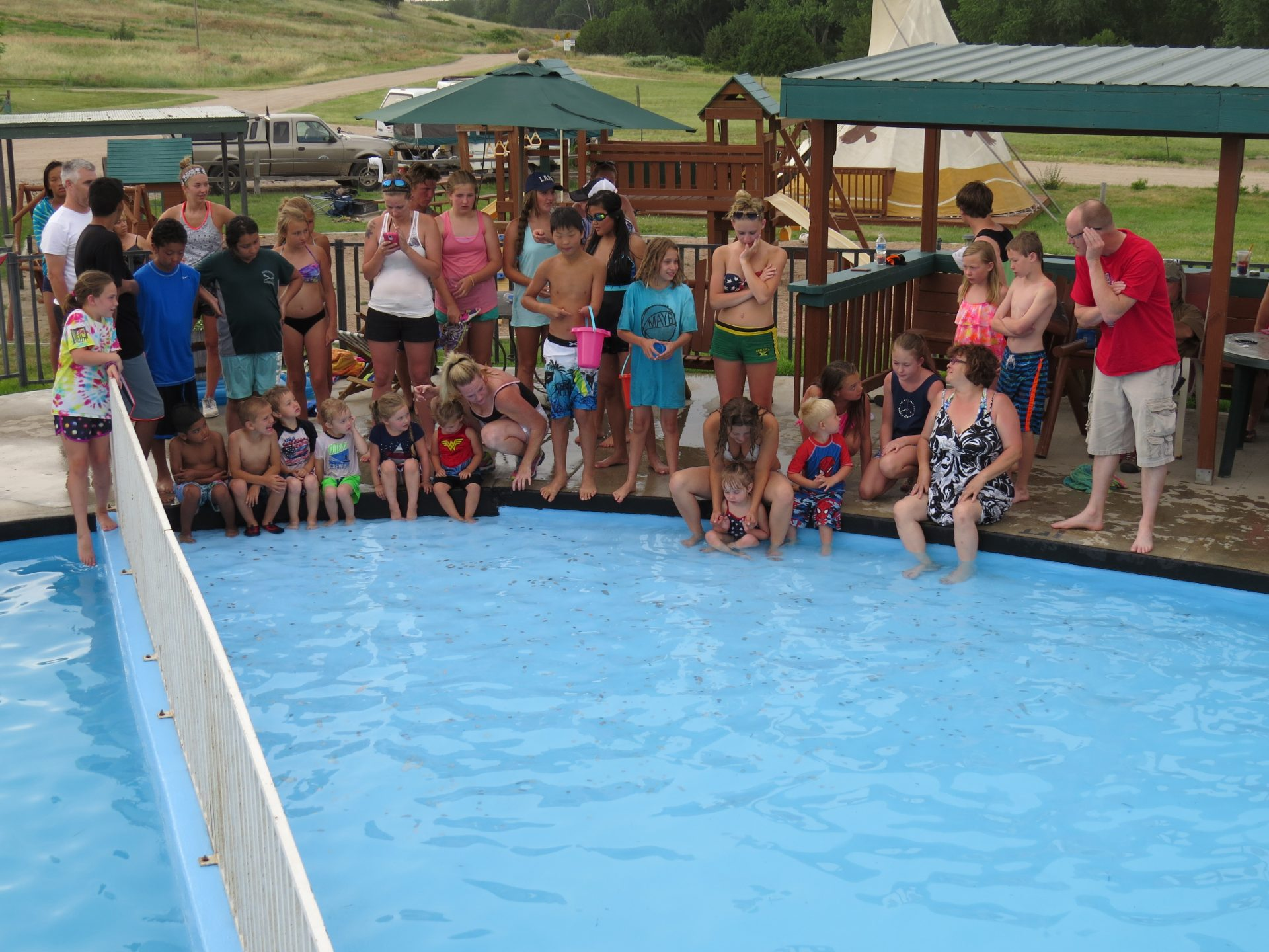 07-04-2015 ECH coin scramble in the pool 012
